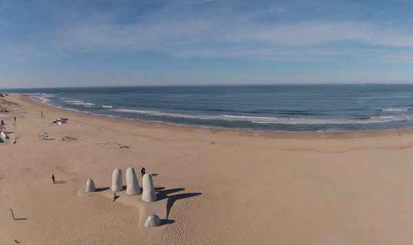 Vista de Los Dedos hacia La Brava, espaldas al mar