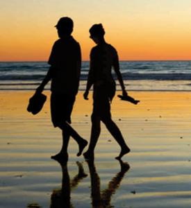 Paseo en la playa al atardecer, son algunos de los privilegios de Laguna Escondida