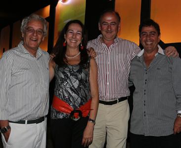 Angelina Montalbán junto al arquitecto Iván Arcos, Eduardo Aymat y Avó Tokatlian
