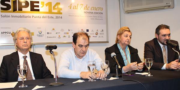 Liliam Kechichian junto a Eduardo Steffen, Oscar de los Santos y Silvano Viera