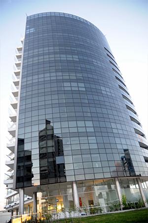 Edificio Alexander ubicado en la parada 3 de La Mansa