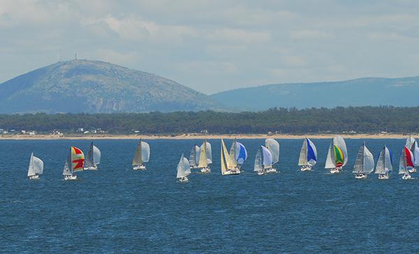 En la bahía de Portezuelo las embarcaciones de la Copa Rolex adornaron las aguas de Maldonado