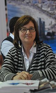Directora del clásico restaurante Medio y Medio de Punta Ballena, Ferreres, representando a la CCG de Punta del Este
