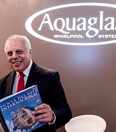 Julian Abraham, director de Aquaglass