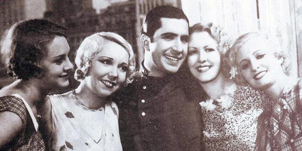 Carlos Gardel según documento nacido el 11 de diciembre de 1887 en Tacuarembó