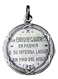 El agradecimiento por su labor se vio reflejado en objetos y medallas. Sin embargo, el más importante de ellos es mantener a Henry Burnett en la memoria de Punta del Este