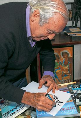 En su taller en Casapueblo, donde dibuja y realiza sus obras de arte