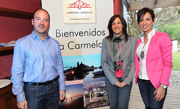 Pablo Sánchez, Director de Marketing Covello Internacional, Mariela Zubizarreta, Directora Turismo Carmelo, Daiane Olivera de Covello Internacional en Carmelo