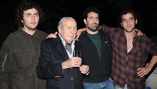 Carlos y sus hijos Alejandro, Sebastián y Florencio