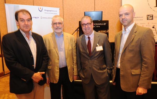 Oscar de los Santos, Intendente de Maldonado, junto a Benjamín Liberoff, Jorge Camaño y Antonio Carámbula