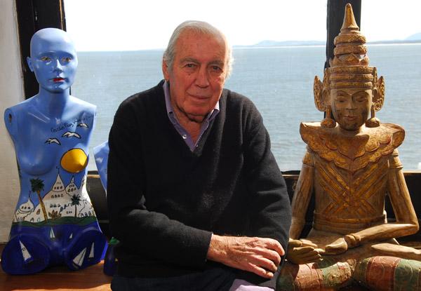 Carlos Páez Vilaró, en su estudio en Casapueblo