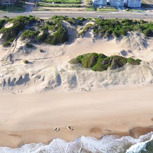 Blancas arenas de la Playa Brava