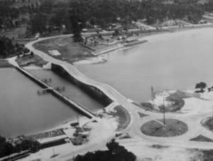 Antigua imagen del Puente de la Barra