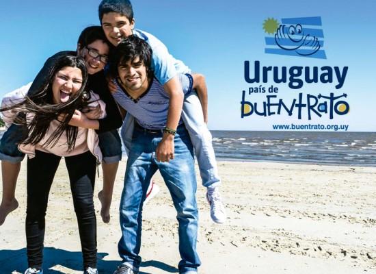 """Lanzamiento de la Campaña """"Uruguay, país de Buentrato"""" en Montevideo"""