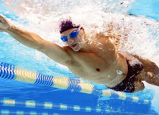 Medallas de oro y plata para nadadores del Campus