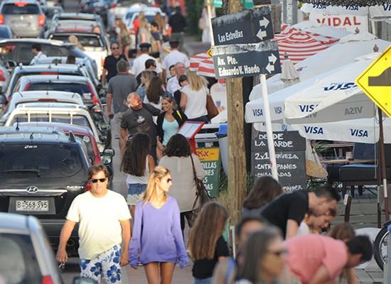 Feriado largo argentino atrajo a 20.000 turistas hacia Uruguay