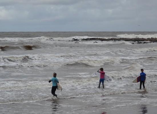 Fin de semana a puro Surf en El Emir: las figuras y promesas del deporte se lucieron en Punta del Este