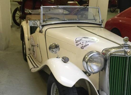 Un museo de autos clásicos revive la antigua Estación Ancap de Punta del Este