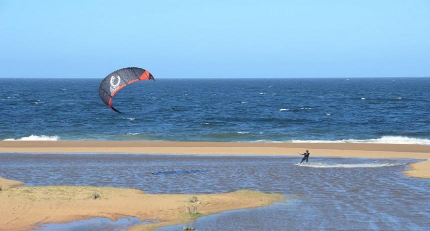 Un portal para amantes del kitesurf y otros deportes acuáticos, así como para turistas y visitantes en general.