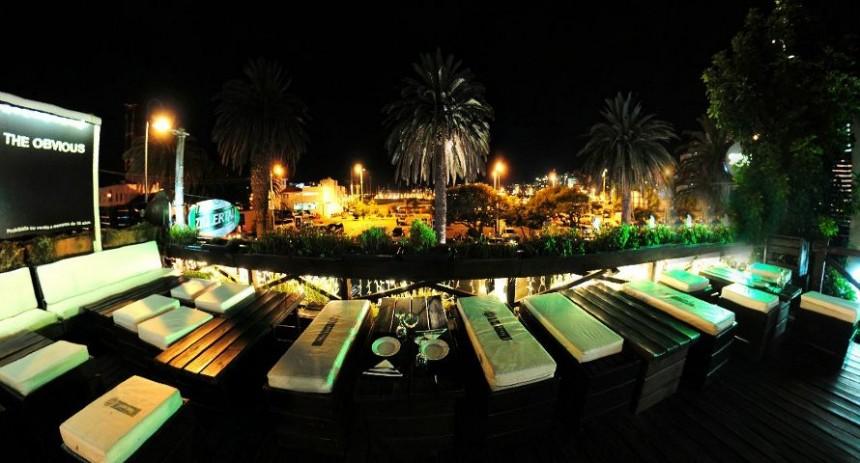 La terraza de Moby Dick, un clásico de la noche puntaesteña