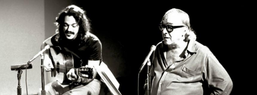 Vinicius, acompañado de su amigo, el guitarrista Toquinho,