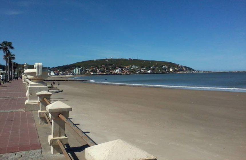 La rambla de Piriápolis: un remanso ideal para paseos y descansos frente al mar...