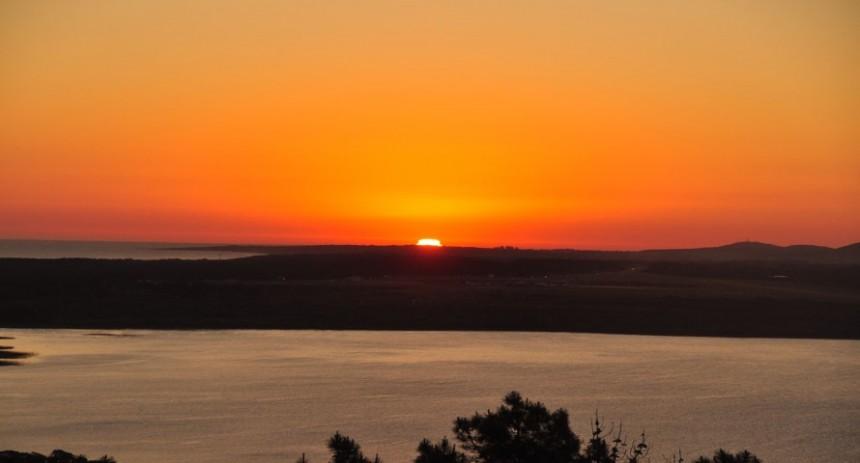 Espectacular atardecer en Punta del Este, visto desde el Hotel Las Cumbres.