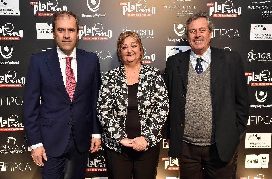 Miguel Angel Benzal, director de EGEDA Liliam Kechichiam, ministra de Turismo y Ing_