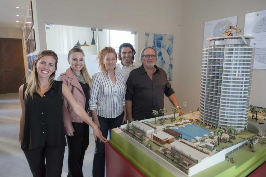 El equipo de  Lijtmaer Propiedades, uno de los principales exponentes del negocio inmobiliario en Punta del Este...