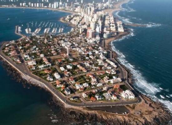 Mujeres Argentinas Residentes en Punta del Este, reunidas para colaborar