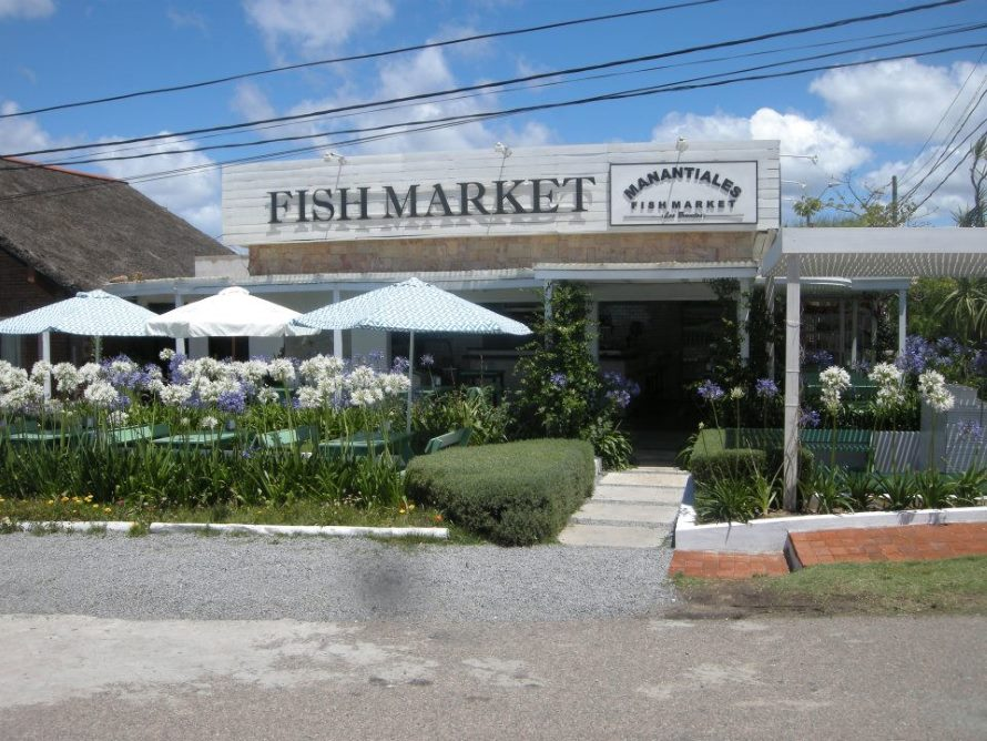 Costumbres argentinas en punta del este for The fish market del mar