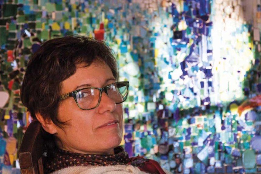 """Juana Guaraglia, artista visual y directora de """"Espacio Mosaic""""."""