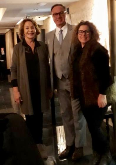 Elina Vignola, Almita Kauffmann y Sr. Umberto Beltramea - Director Vatel Restaurante, recientemente inaugurado.