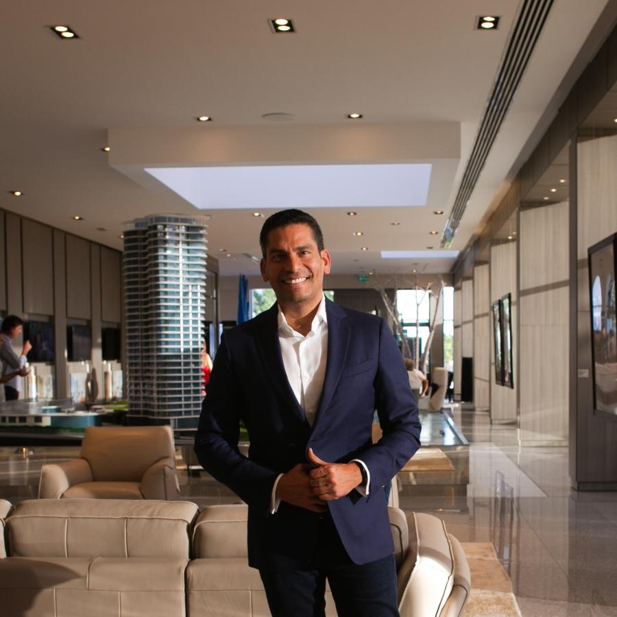 Ismael Cala en la presentación de America Business Forum.