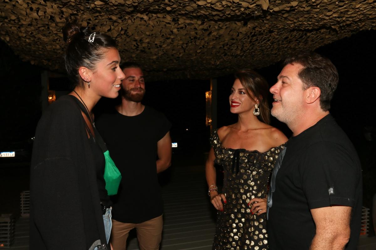 Renata Repetto junto a su novio se encontraron con Agustina Casanova y Lautaro Mauro en la apertura de Fabric José Ignacio