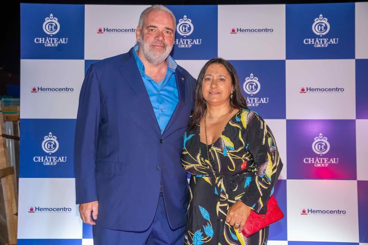 Pablo Atchugarry y Sra