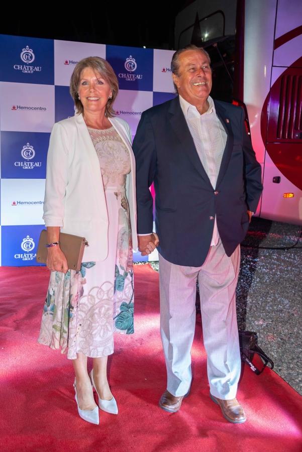 Ing Enrique Antia y Sra