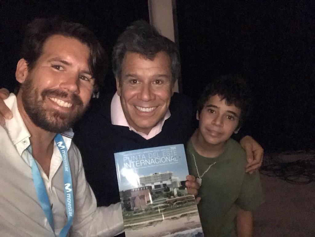 Director de Punta del Este Internacional, Nicolás Tarallo junto al neurocientífico Facundo Manes